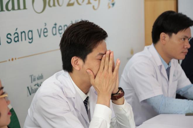 Bác sĩ 'Tái sinh nhan sắc' hy vọng tặng tất cả thí sinh suất thẩm mỹ 500 triệu